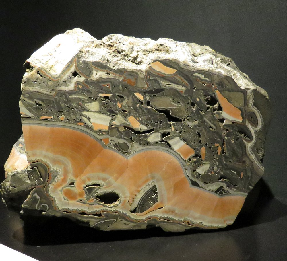 Mineral showing several geological effects over millennia