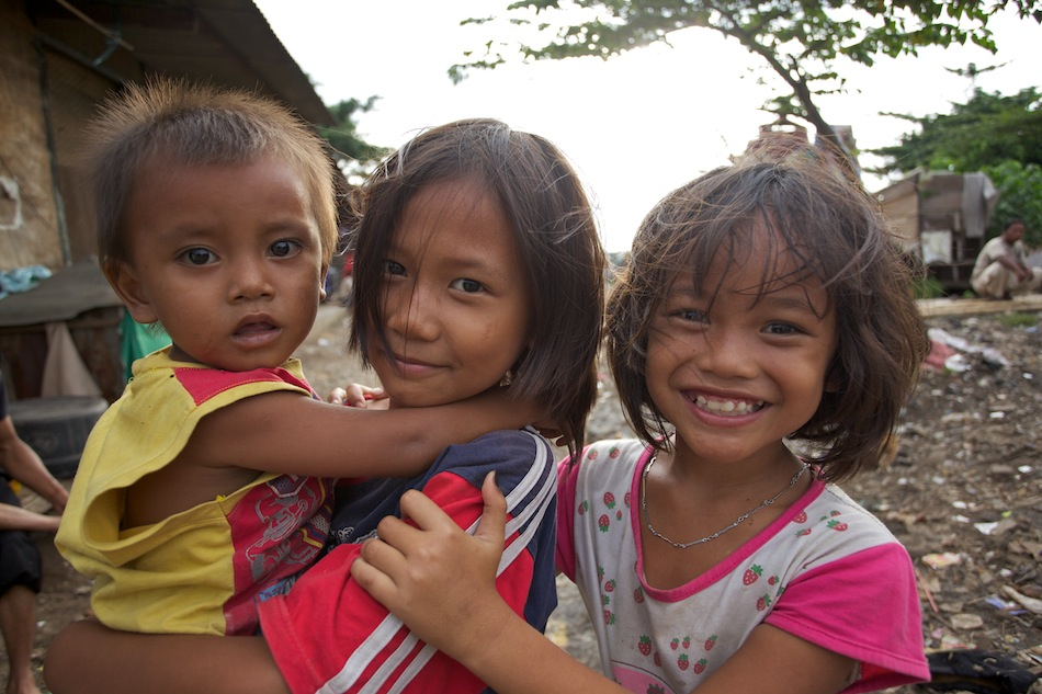 Children in an Indonesian slum.