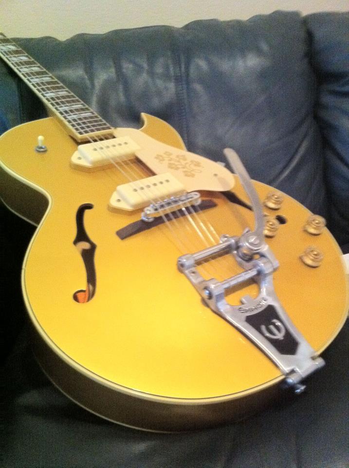 gold guitar.jpg