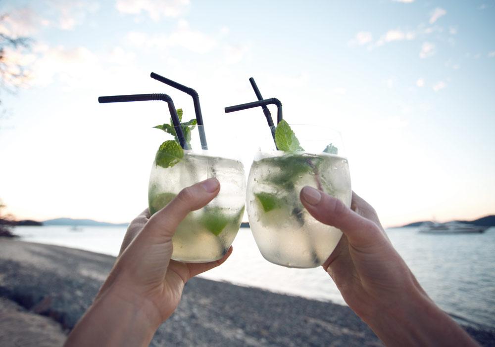 Refreshing-Summer-Drink-Hamilton-Island-Oracle-Fox.jpg