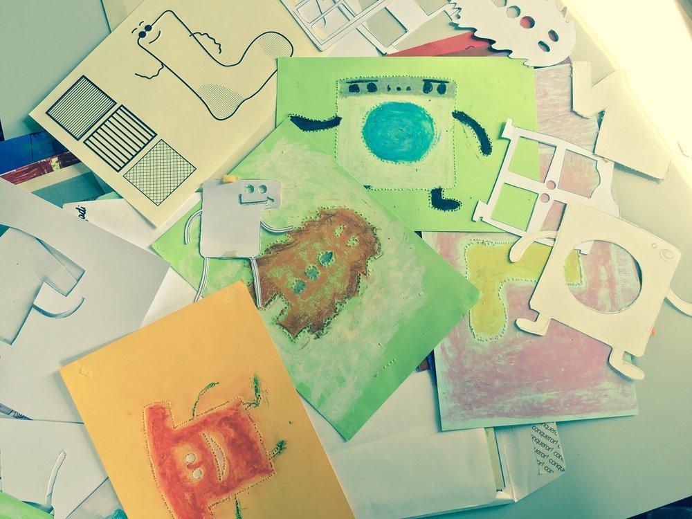 Blind Art - BlindArt ir sociāla biznesa ideja, kuras mērķis ir sniegt atbalstu neredzīgajiem un cilvēkiem ar īpašām vajadzībām, iedvesmot viņus uz lielākiem mērķiem un veidot labvēlīgu vidi sociāla biznesa attīstībai. Blind Art veido taktilās grāmatas, šķīvjus un citas dizaina preces ar neredzīgo zīmējumiem.