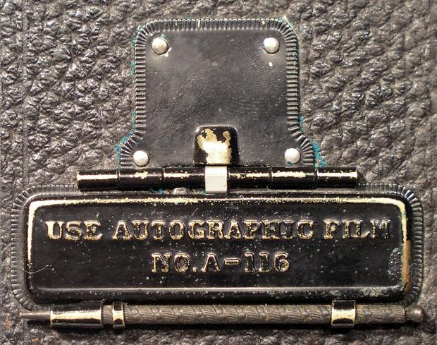Image credit:      Autographic Kodak JR.      by      John Levanen      and      No.1A Autographic Kodak Jr.      by      LostBob Photos