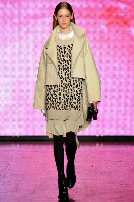 DKNY Fall 2013 Look 21.JPG