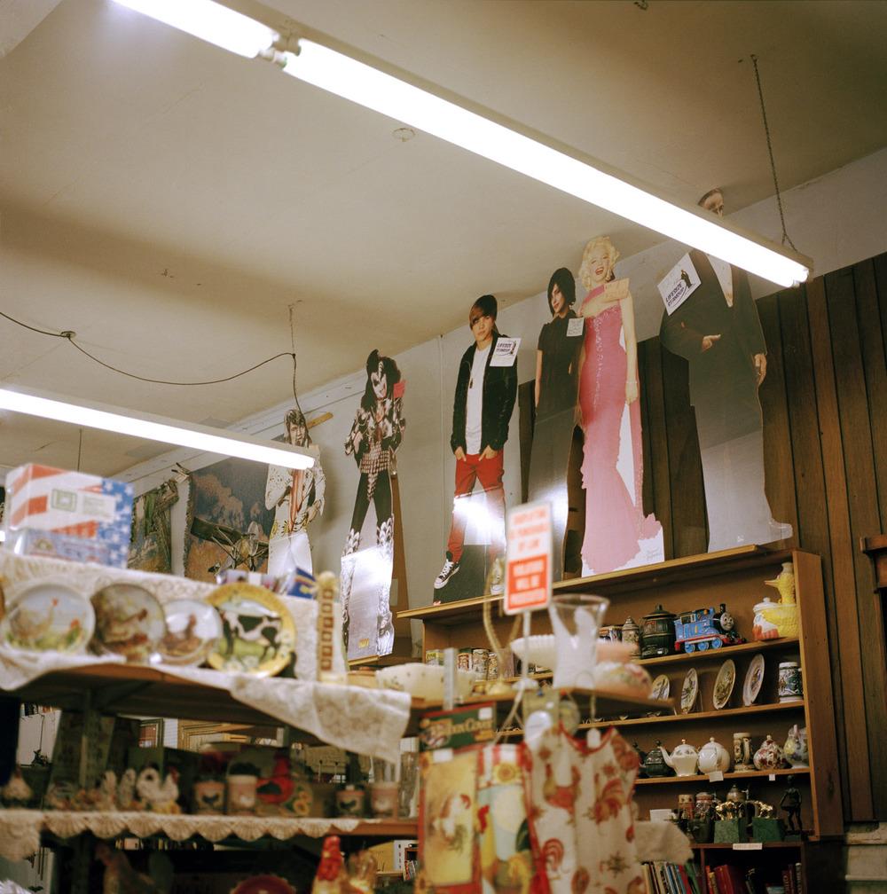 marilyn & bieber in the store_wksp.jpg