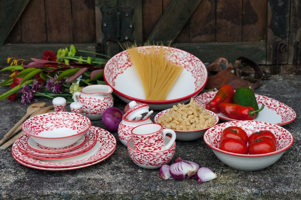 red dinnerware rustic home