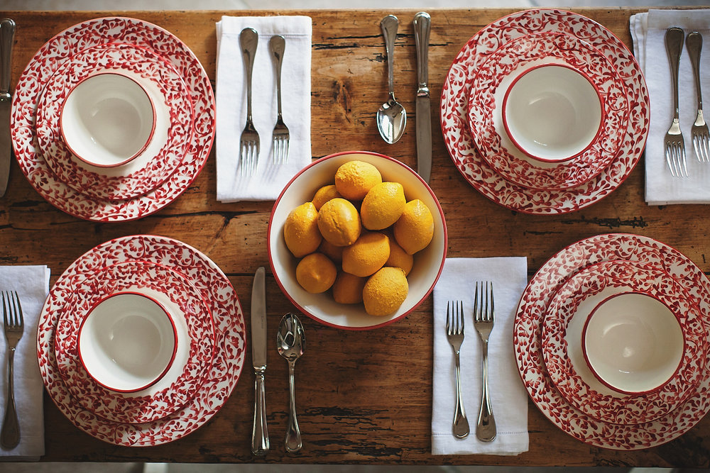 red dinnerware table