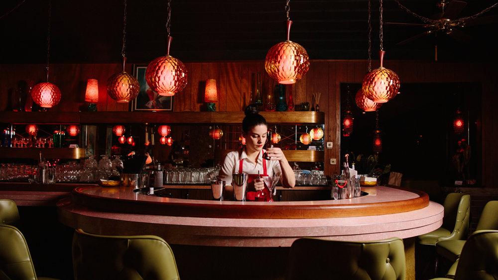 lifestyle-photography-bar-milwaukee-chicago-at-random-cocktail-lounge-9351.jpg