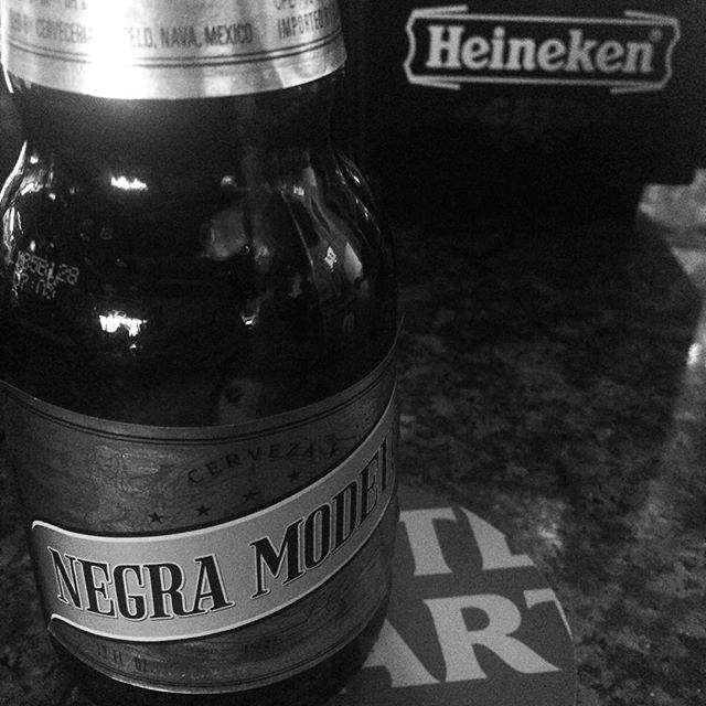 Happy St Patty's Day.  Grabbin lunch with good friend @christopherlorddesigns  #heineken #negromodelo #stellaartois