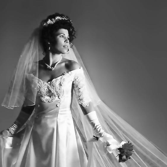 White-Wedding-Dress-2013-HD-Wallpaper.jpg