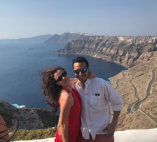 It was a windy day in #santorini. . . . #greece #santorini #artofwanderlust #wanderlust #travel #digitalnomads