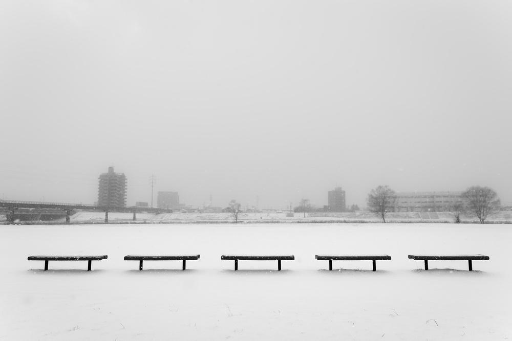 snowbenches.jpg