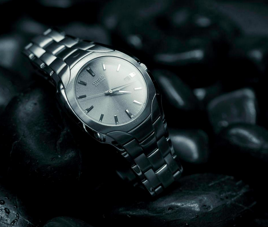 A challengingassignment to shoot ahighly reflective object. I opted for this Citizen watch I'd recently given my husband (then-boyfriend). It's eco-friendly design is powered by the sun, no batteries necessary.