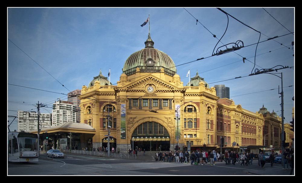 1.1_boumic_Flinders_Street_Station.jpg