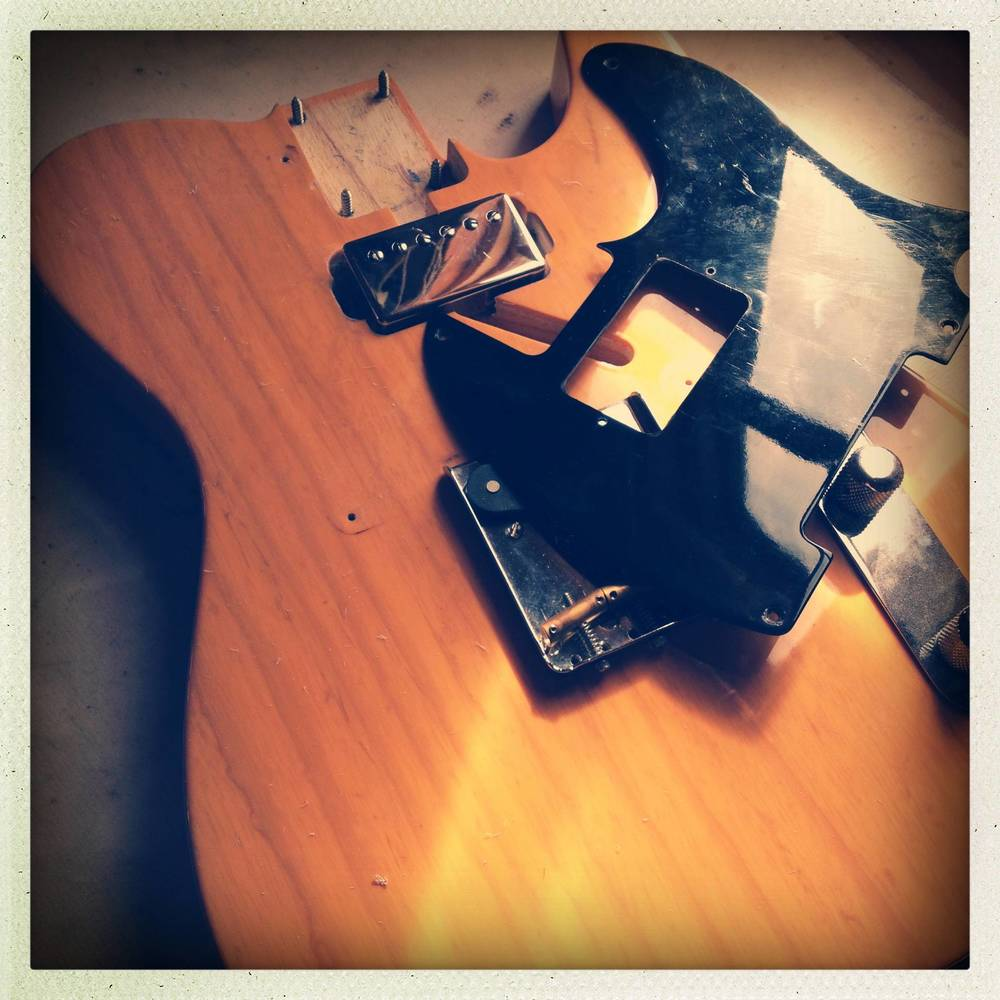 Aftermarket pickup installation and body/pickguard routing