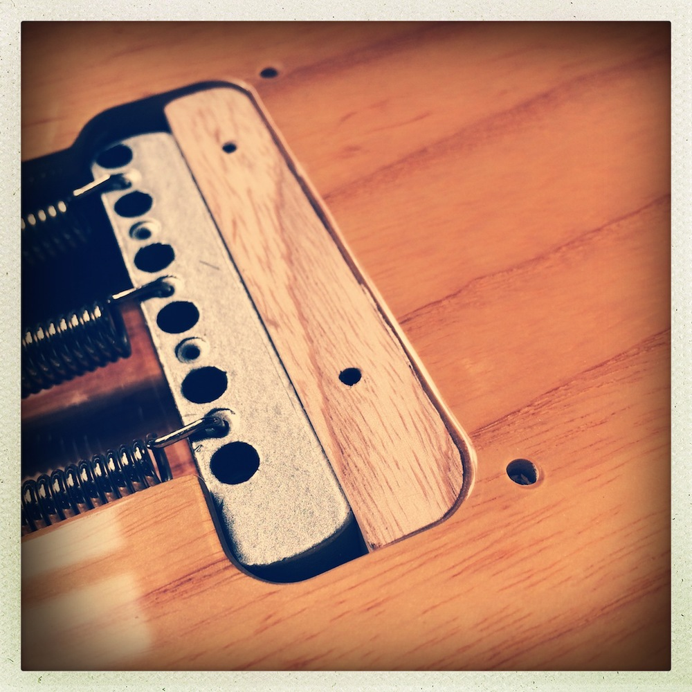 Blocking a Strat tremolo bridge