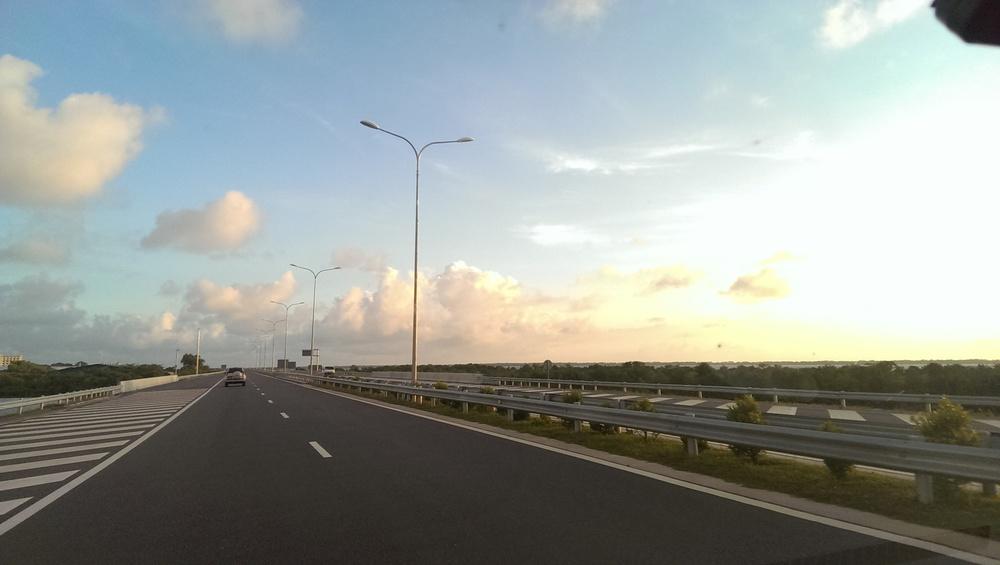 Showing off Sri Lanka's transport links