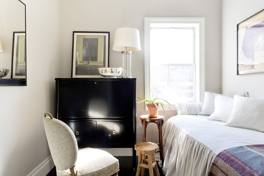 WHIW78_PAMELADAILEYDESIGN-SMALL-BEDROOM-IDEAS.jpg