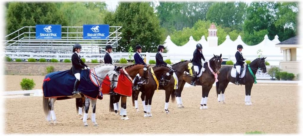 Greystoke & Jenna Upchurch in Awards Ceremony