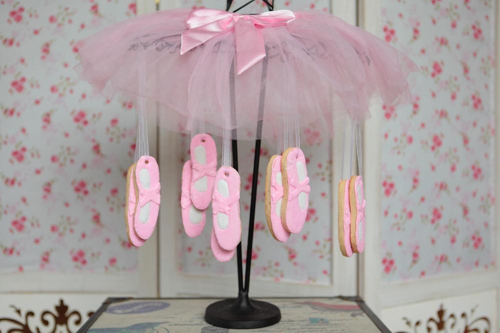 ballet-shoe-cookies.jpg