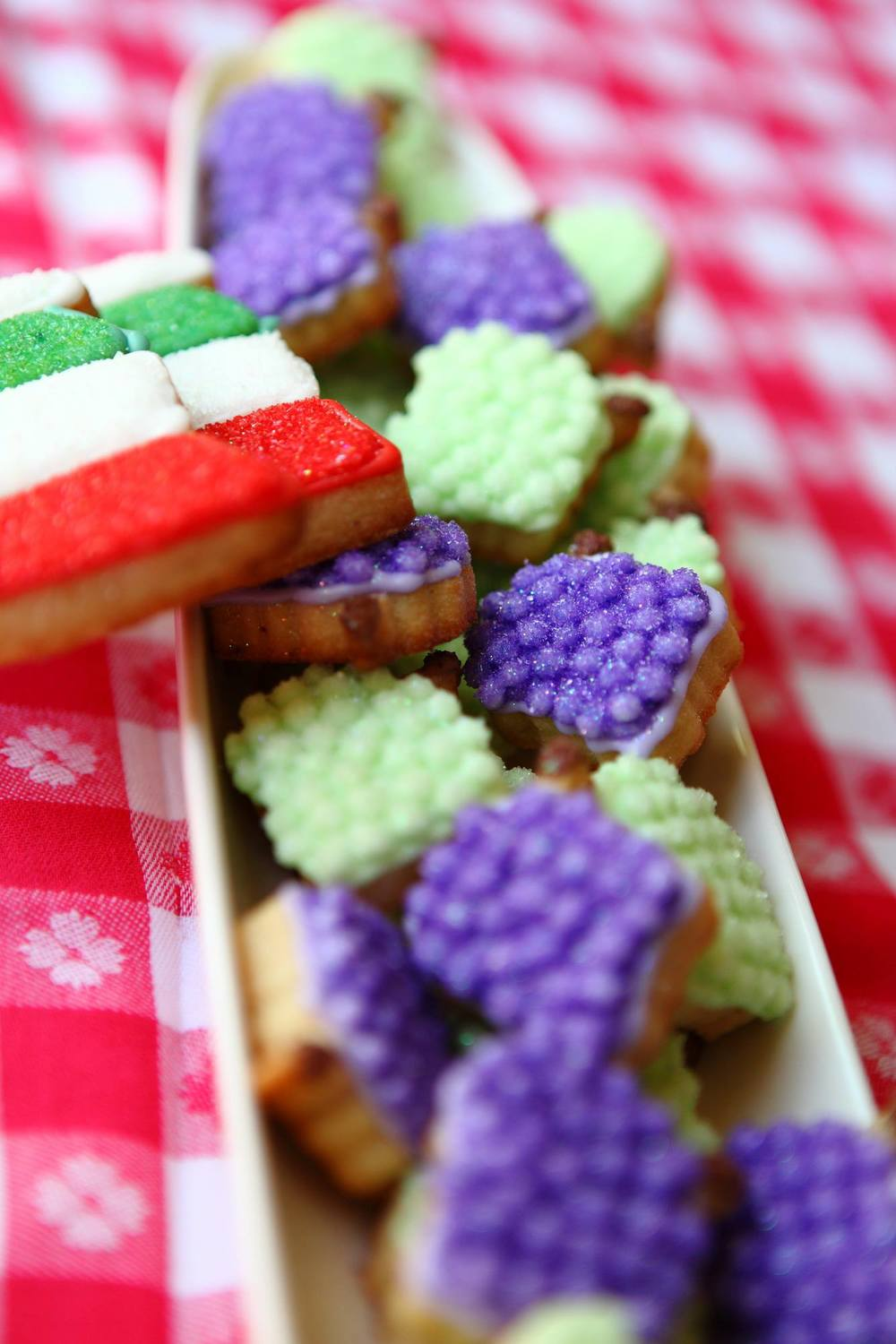 grape-clusters-italian-flag-cookies.JPG