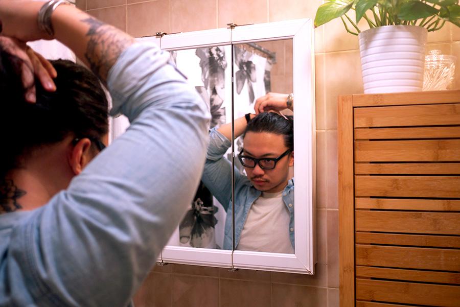 peter-mirror.jpg