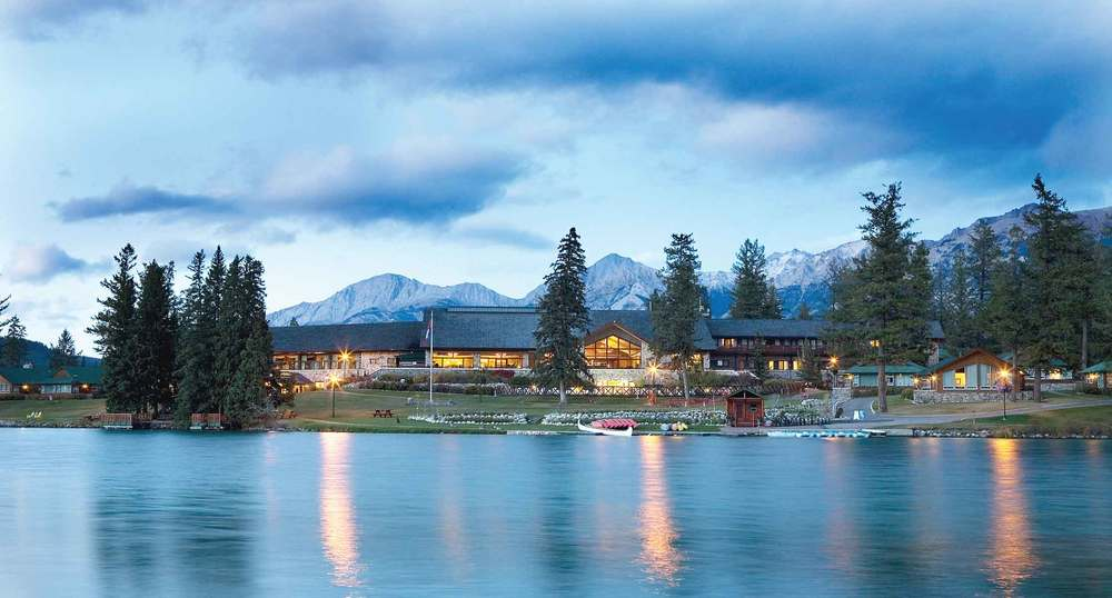 Fairmont Jasper Park Lodge – View from Lac Beauvert