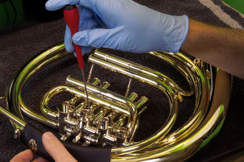 Meinlschmidt-Stop-Plate-Install-Medlin-Horns.jpg