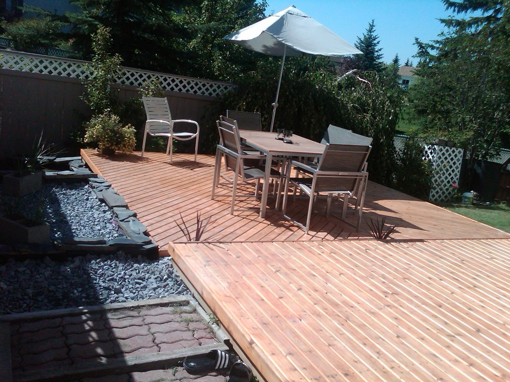 Radius edge decking