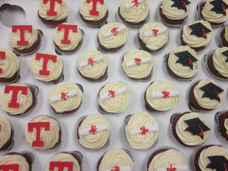cupcakes-temple grad.jpg