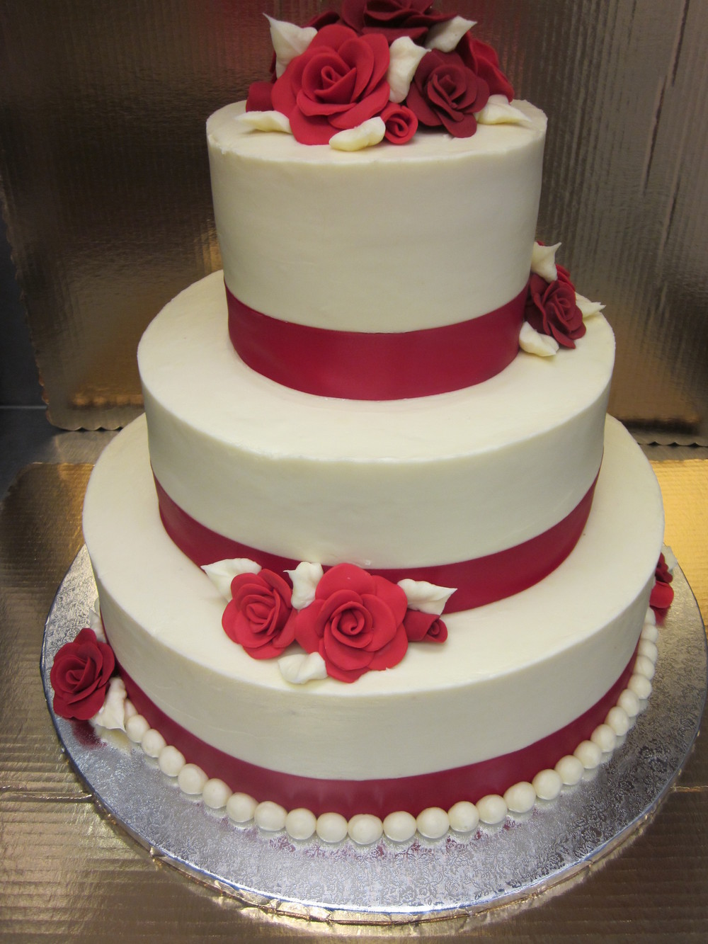 Red Roses Ribbon Cake
