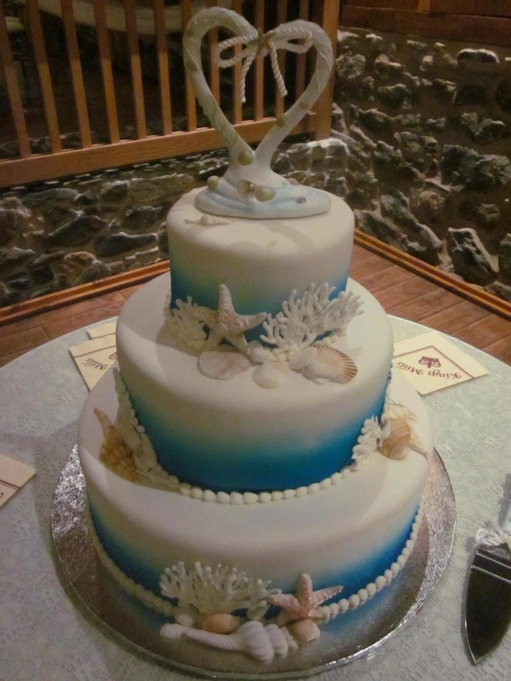 wedding cake photos sophisticakes bakery drexel hill delaware county pa. Black Bedroom Furniture Sets. Home Design Ideas