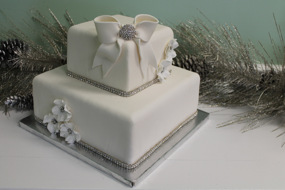 Wedding Cake Broach,Ribbon and Flowers