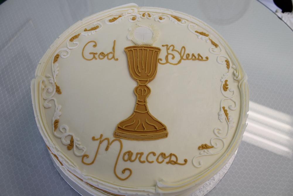 Golden Chalice Cake 059