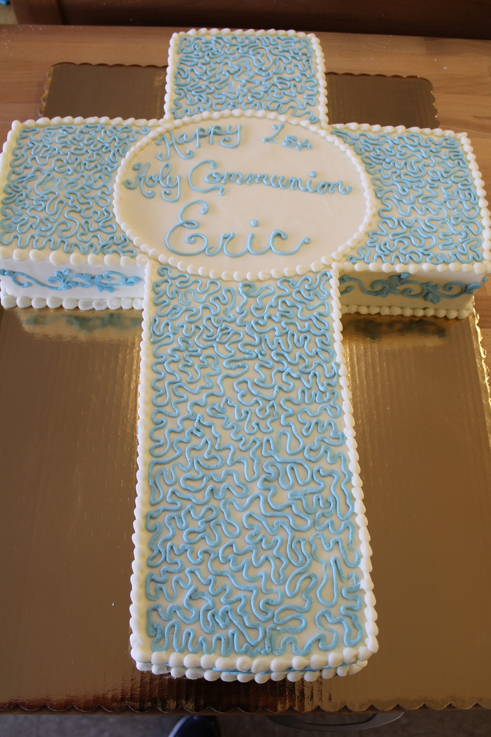 Blue Swirls Holy Communion Cake 071