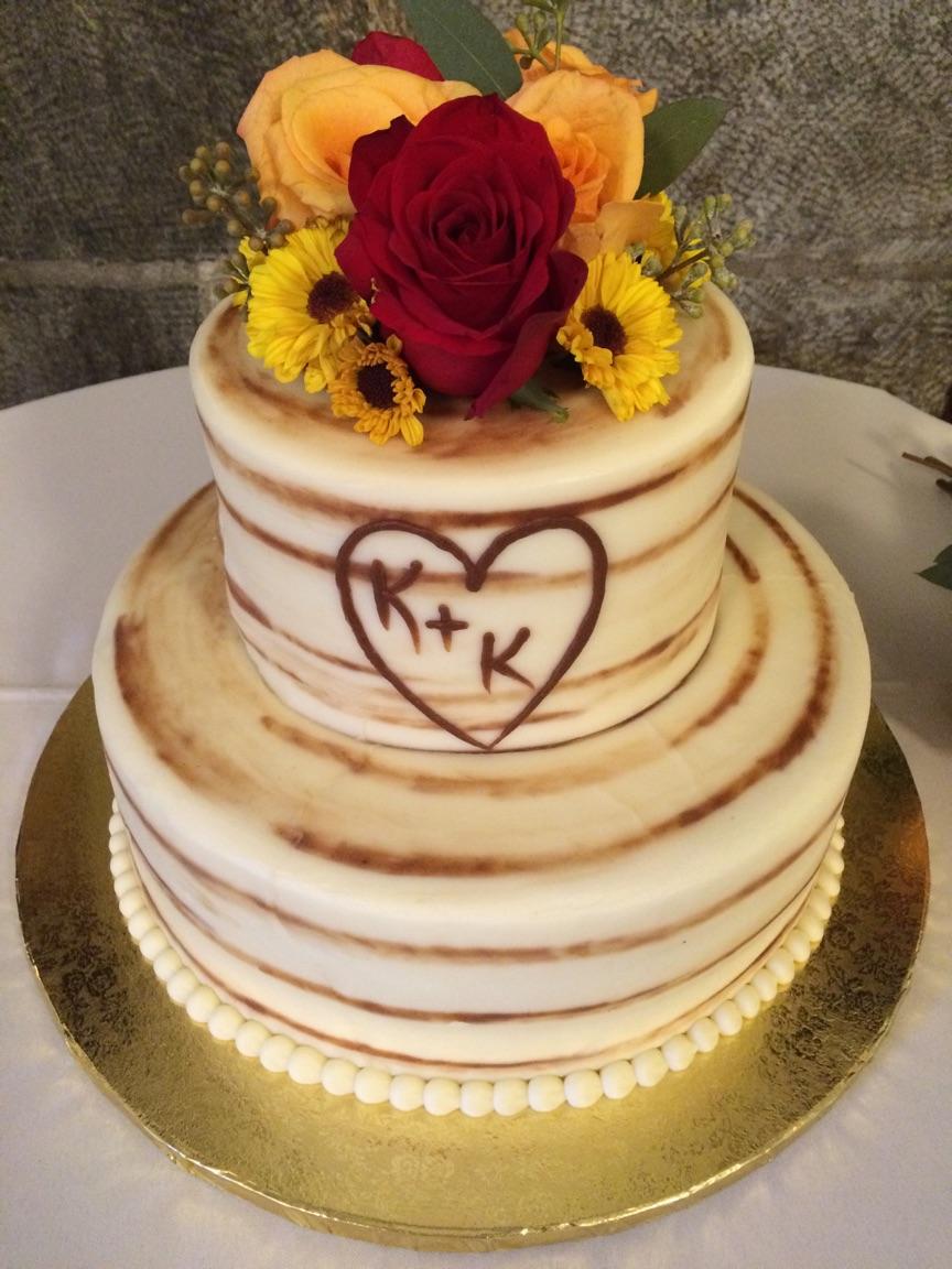 Fall Rustic Theme Wedding Cake
