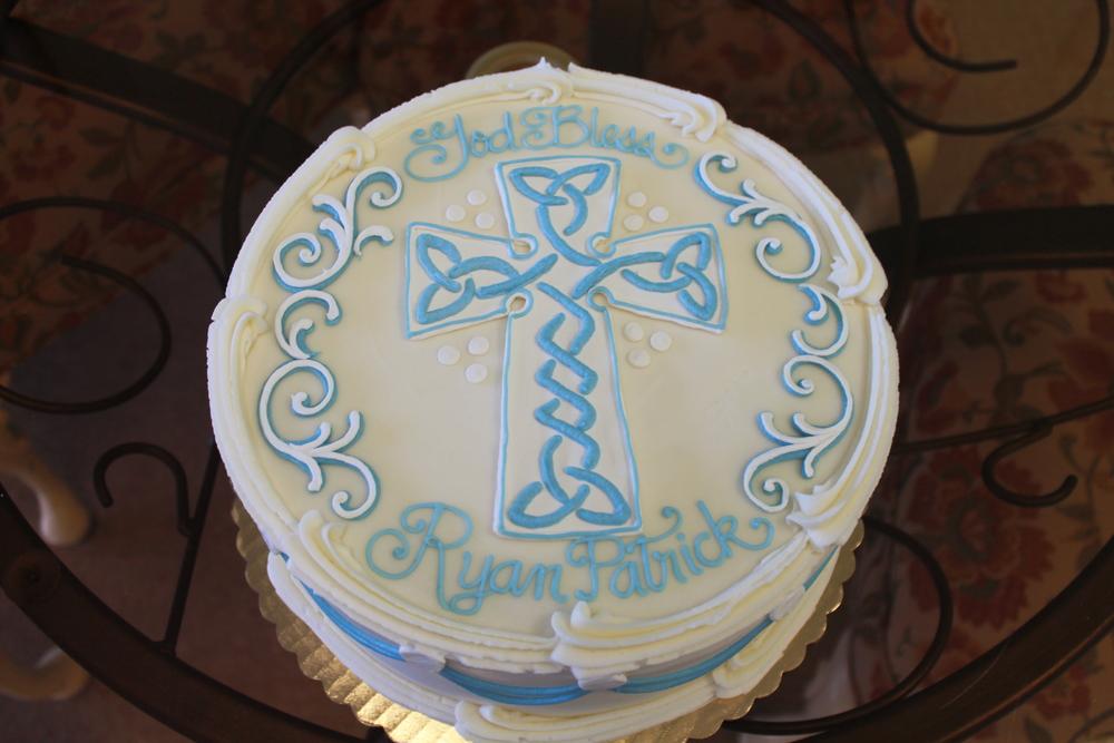 Celtic Cross Cake for Ryan 080