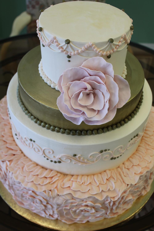 Metallic Gold and Pale Pink Wedding Cake