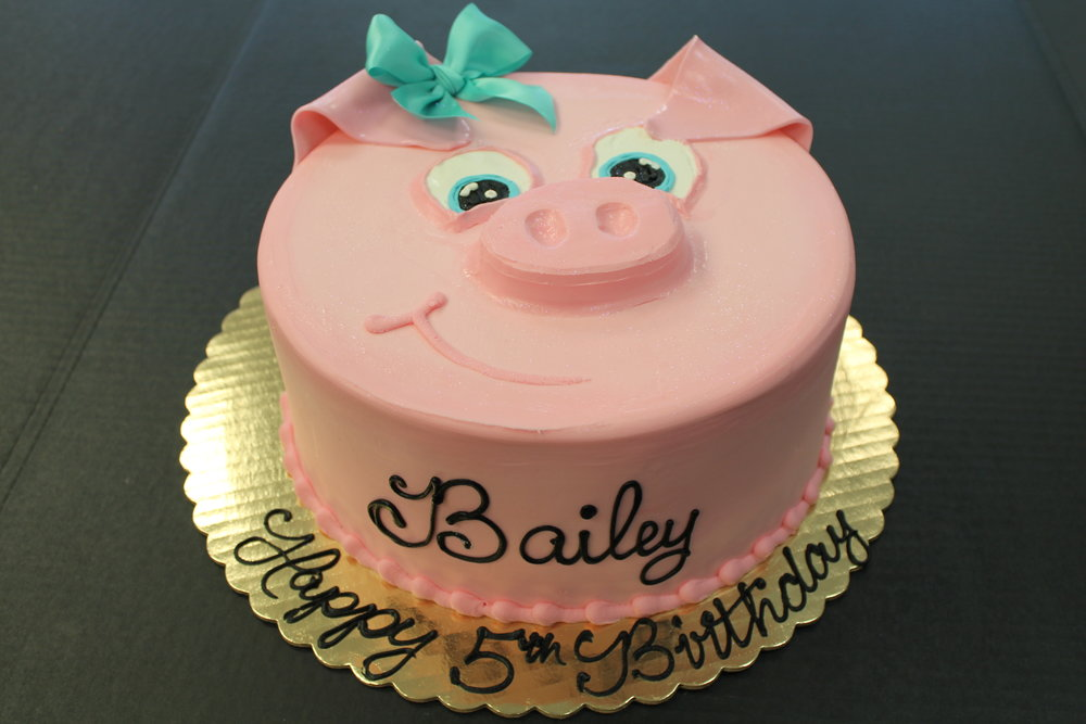 Bailey Loves Pigs Birthday Cake
