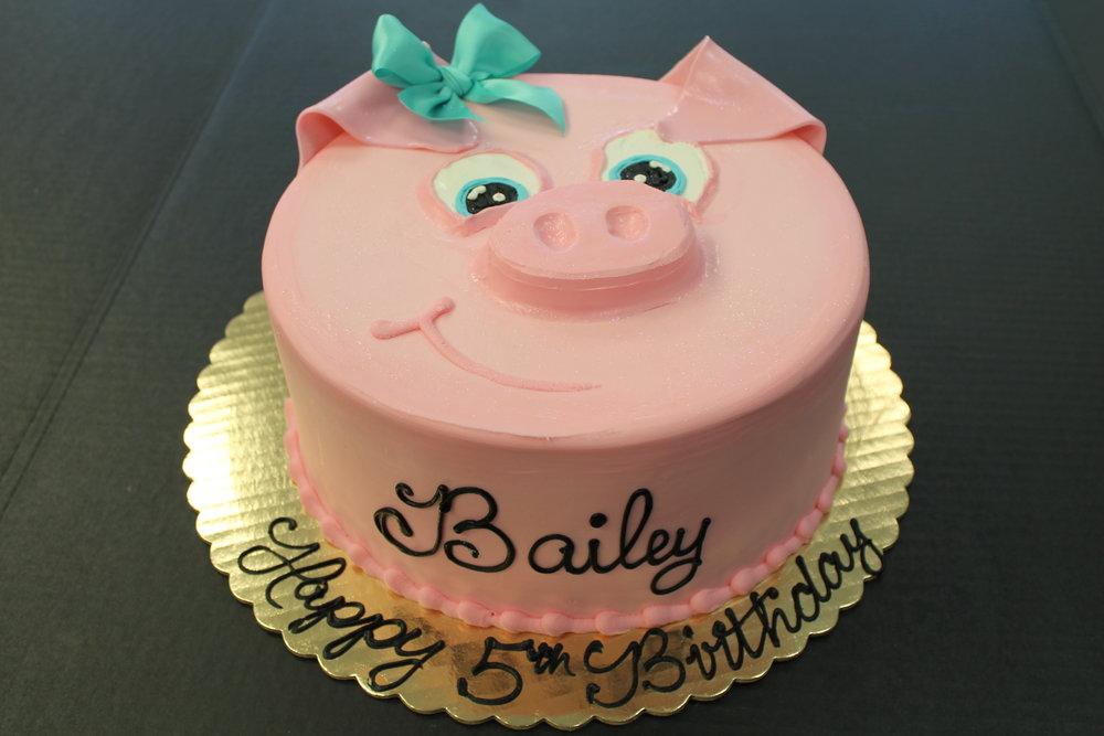 Bailey Loves Pigs Birthday Cake