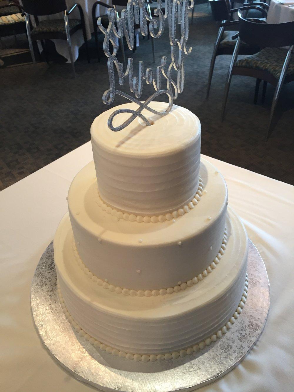 Sleek and Elegant Wedding Cake