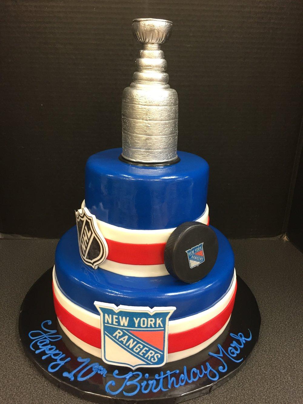 Loves Hockey Tier Cake