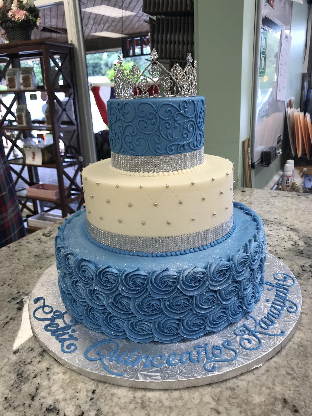 Feliz Quinceanos Celebration Cake