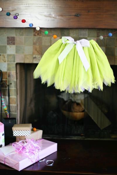 baby shower garland idea 1.jpg