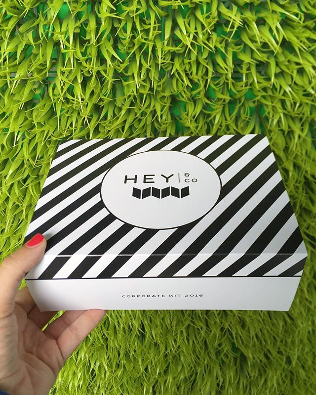 Striped template for our Sleeve box. 〰We can change the color of the stripes to match your logo + add anything you want to say on the front 〰 #giftbetter #custompackaging