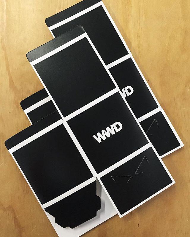 Black & White- forever classic and elegant 〰🔳 #brandedboxes