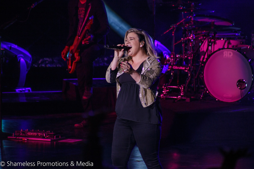 Kelly Clarkson @ Shoreline Amphitheater: August 2015
