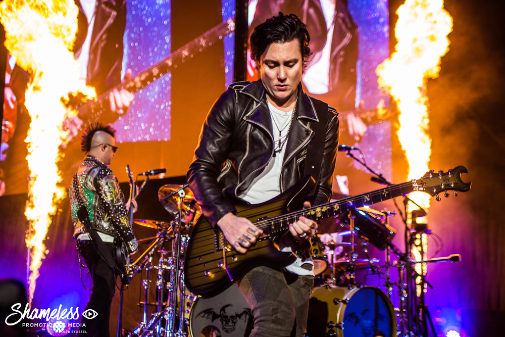 Synyster Gates of Avenged Sevenfold performing at Shoreline Amphitheater in Mountain View, CA. July 28, 2017. Photo: Jared Stossel.
