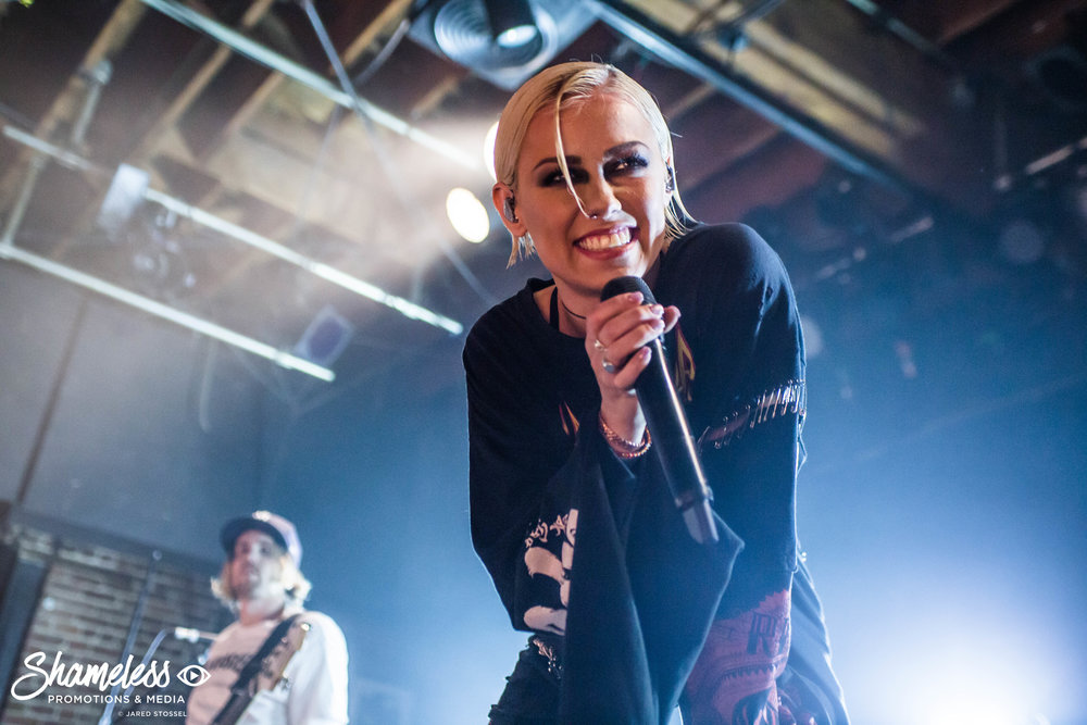 Tonight Alive & Silverstein @ Slims: January 2018