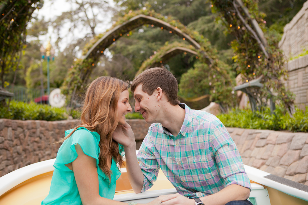 Disneyland Engagement Photograpy