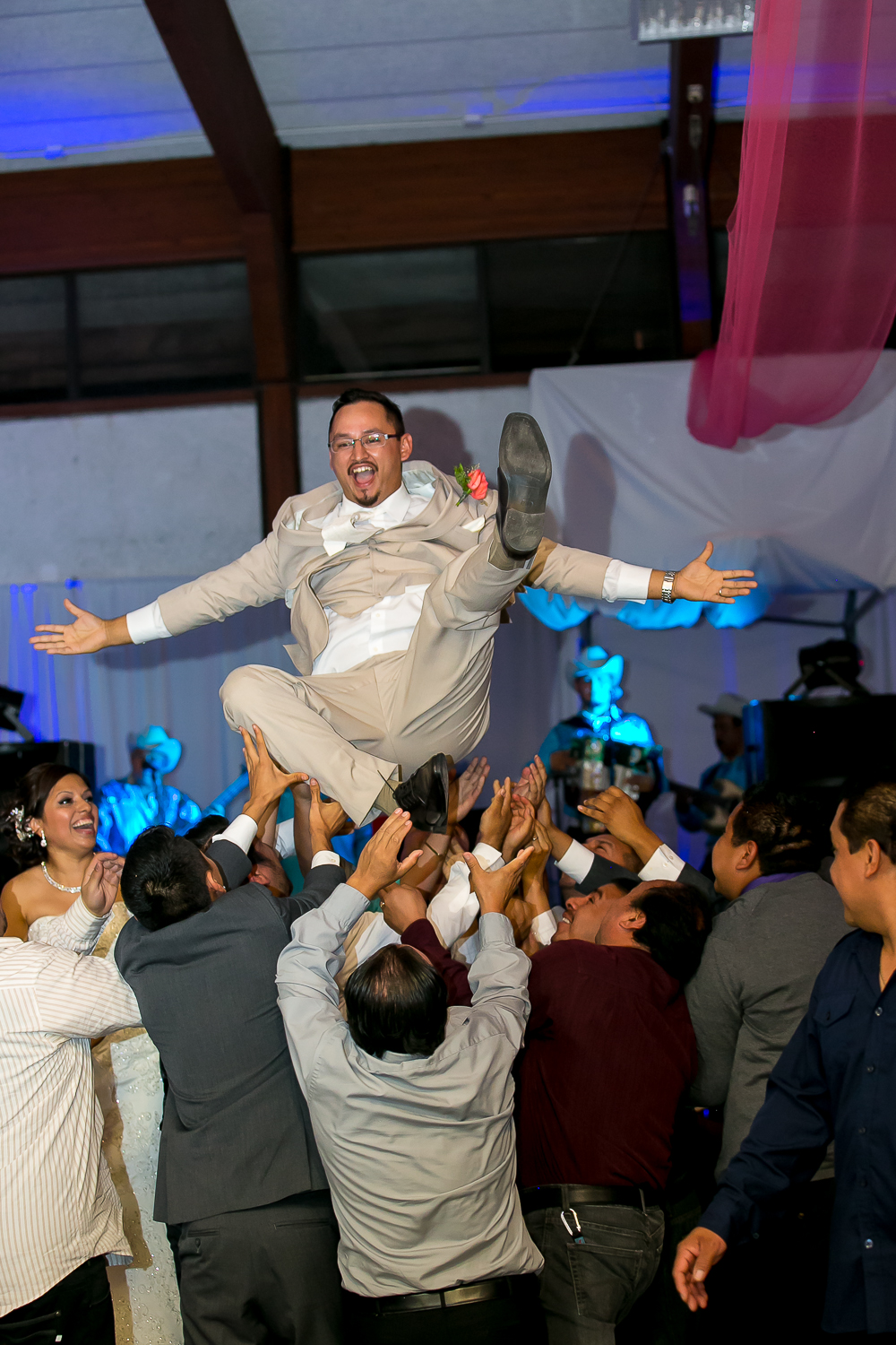 los angeles wedding, love, chris holt photography, happy, mariachi, mexican wedding